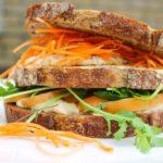 Sandwich_met_kip_en_ei