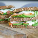 Sandwich_zalm_avocado_komkommer