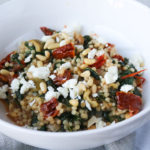 parelcouscous-feta-spinazie-tomaat-close