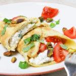 Eierwrap-huttenkase-tomaat-basilicum-l